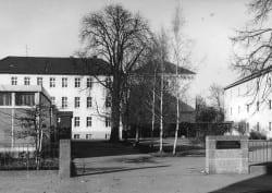 1973 Schulhof