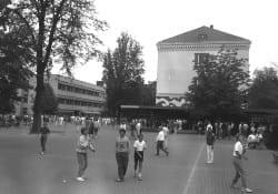 1985 Schulhof